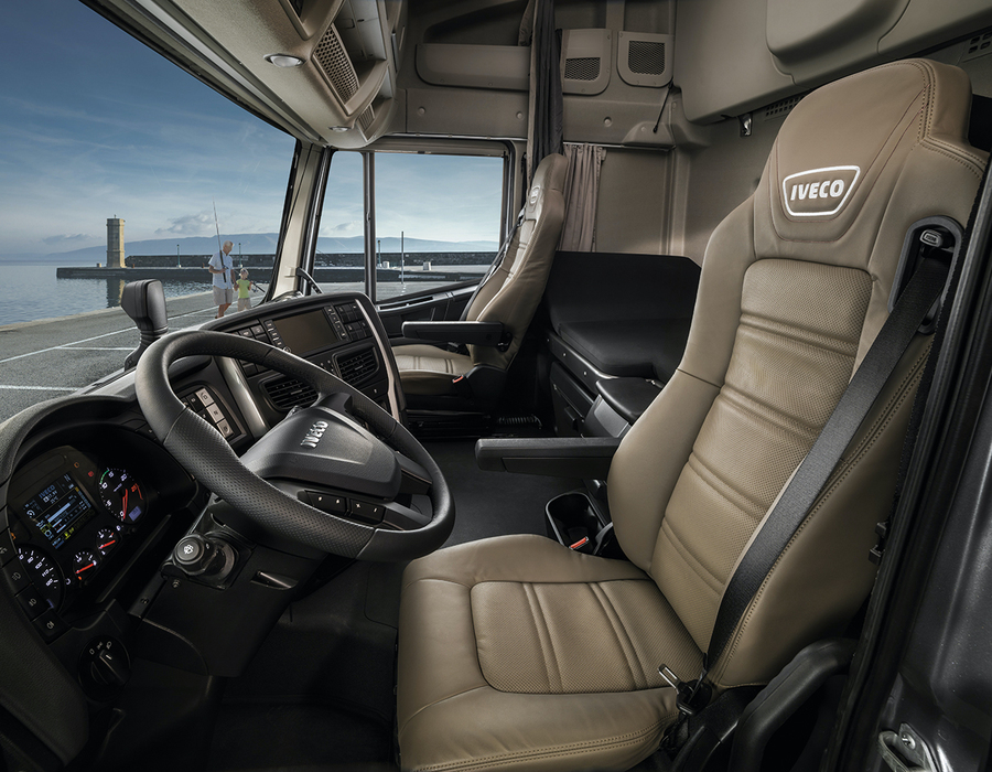 iveco-new-stralis-xp-seat_27818426766_o