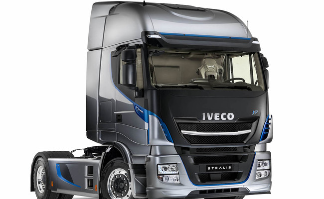 iveco-new-stralis-xp-front_27818428516_o