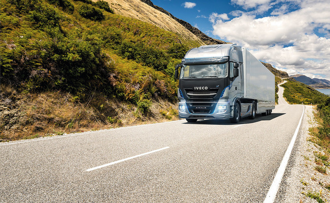 iveco-new-stralis-xp-road_27818427126_o